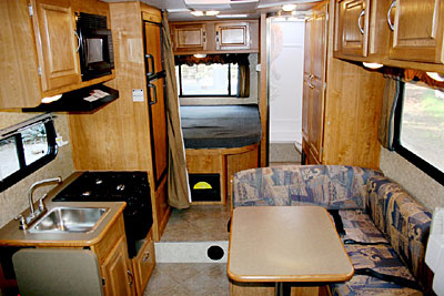 Rv Hire America C23 25 Ft Motorhome